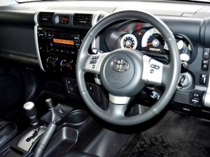 Toyota L/CRUISER FJ 4.0 V6 Sport Cruiser - Image 21