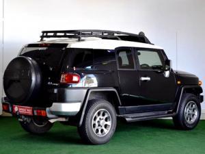 Toyota L/CRUISER FJ 4.0 V6 Sport Cruiser - Image 4