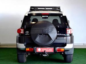 Toyota L/CRUISER FJ 4.0 V6 Sport Cruiser - Image 6