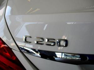Mercedes-Benz C250 Avantgarde automatic - Image 11