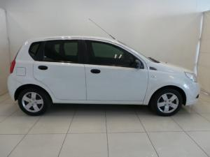 Chevrolet Aveo 1.6 L hatch - Image 3