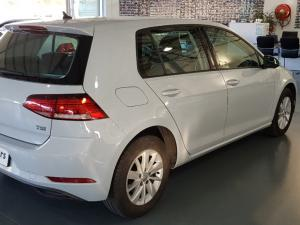 Volkswagen Golf VII 1.0 TSI Trendline - Image 10