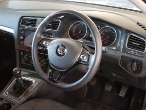 Volkswagen Golf VII 1.0 TSI Trendline - Image 15