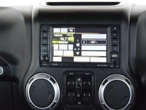 Jeep Wrangler Unltd Sahara 3.6L V6 automatic - Image 11