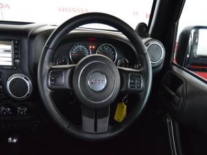 Jeep Wrangler Unltd Sahara 3.6L V6 automatic - Image 12