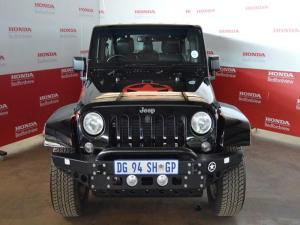 Jeep Wrangler Unltd Sahara 3.6L V6 automatic - Image 3