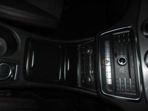 Mercedes-Benz GLA GLA250 4Matic Style - Image 6