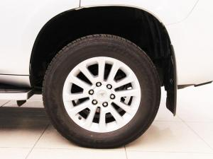 Toyota Prado VX 4.0 V6 automatic - Image 6