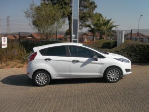 Ford Fiesta 1.5 TdciAmbiente 5-Door - Image 6