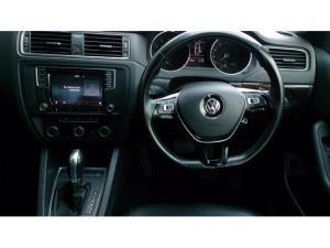 Volkswagen Jetta 1.4TSI Comfortline auto - Image 3