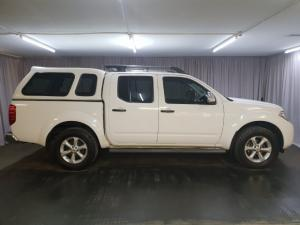 Nissan Navara 2.5dCi double cab 4x4 LE auto - Image 3