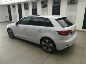 Audi A3 Sportback 2.0 TDI Stronic - Image 3