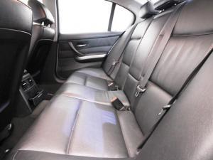 BMW 320i - Image 9
