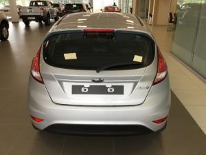 Ford Fiesta 1.0 Ecoboost Ambiente Powershift 5-Door - Image 4
