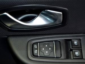 Renault Clio IV 900T Authentique 5-Door - Image 31