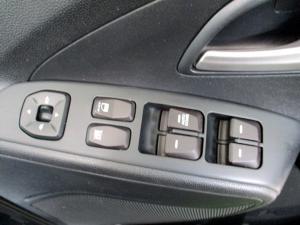 Hyundai iX35 2.0 Premium - Image 14