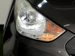 Hyundai iX35 2.0 Premium - Image 21