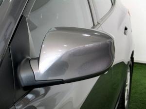 Hyundai iX35 2.0 Premium - Image 22