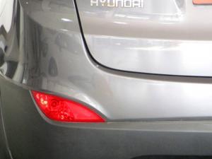 Hyundai iX35 2.0 Premium - Image 25