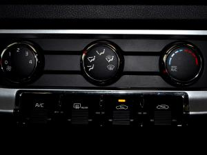 Kia RIO1.4 automatic - Image 19
