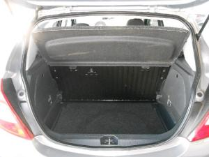 Opel Corsa 1.4 Essentia - Image 10