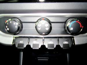 Kia RIO1.4 automatic - Image 25
