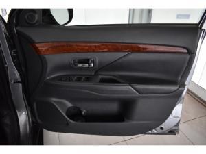 Mitsubishi Outlander 2.4 GLS Exceed - Image 13