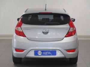 Hyundai Accent hatch 1.6 Fluid - Image 6