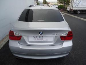 BMW 330i automatic - Image 4