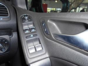Volkswagen Golf GTI - Image 9