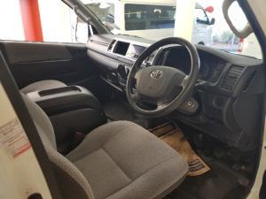 Toyota Quantum 2.7 GL 14-seater bus - Image 5