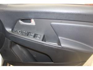 Kia Sportage 2.0 AWD - Image 10
