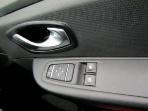 Renault Clio IV 900T Authentique 5-Door - Image 10