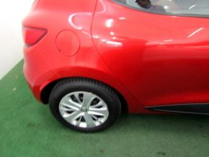 Renault Clio IV 900T Authentique 5-Door - Image 24
