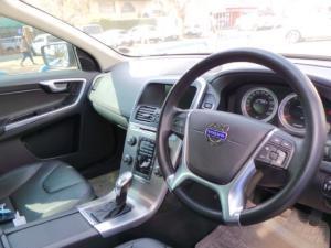 Volvo XC60 T5 Elite - Image 8
