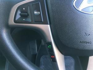 Hyundai Accent 1.6 GLS/FLUID automatic - Image 18