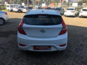 Hyundai Accent 1.6 GLS/FLUID automatic - Image 5