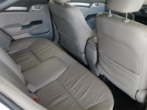 Honda Civic 1.8 Elegance automatic - Image 7