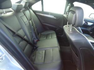 Mercedes-Benz C220 CDi Classic automatic - Image 8