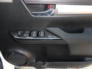 Toyota Hilux 4.0 V6 RB RaiderD/C automatic - Image 10