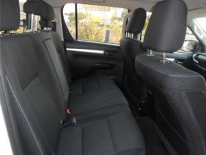 Toyota Hilux 4.0 V6 RB RaiderD/C automatic - Image 11