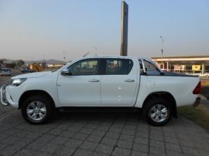 Toyota Hilux 4.0 V6 RB RaiderD/C automatic - Image 2
