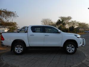 Toyota Hilux 4.0 V6 RB RaiderD/C automatic - Image 3