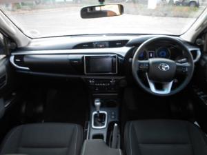 Toyota Hilux 4.0 V6 RB RaiderD/C automatic - Image 4
