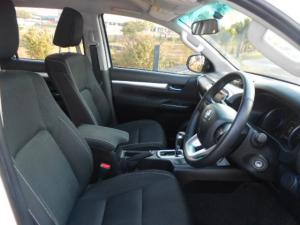 Toyota Hilux 4.0 V6 RB RaiderD/C automatic - Image 5