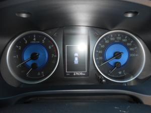 Toyota Hilux 4.0 V6 RB RaiderD/C automatic - Image 6