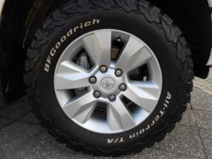 Toyota Hilux 4.0 V6 RB RaiderD/C automatic - Image 8