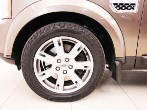 Land Rover Discovery 4 3.0 TD/SD V6 SE - Image 6