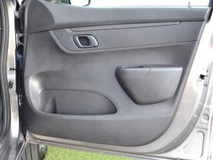 Renault Kwid 1.0 Dynamique 5-Door automatic - Image 25