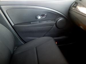 Renault Megane III 1.6 Dynamique 5-Door - Image 11